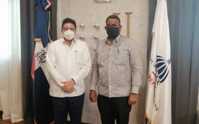 Cónsul visita Ministro de Deportes en República Dominicana