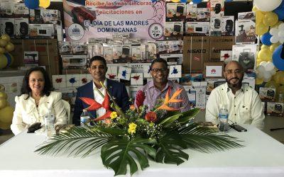 Consulado Dominicano y el INDEX Panamá celebran actividad por motivo del día de las madres dominicanas.