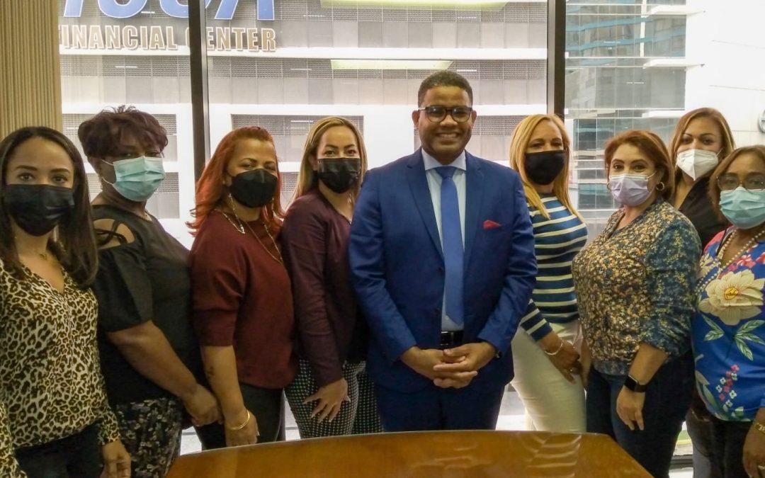 Cónsul y dominicanas analizan situación sector de belleza en Panamá